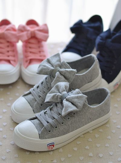 Korean personality casual shoes  - http://zzkko.com/n140555-013-summer-explosion-models-Korean-personality-bow-to-help-low-canvas-shoes-women-shoes-casual-shoes-student-shoes-wild.html $11.50