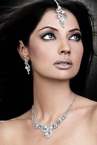 Natasha Hussain Pakistani Model Biography And Pictures
