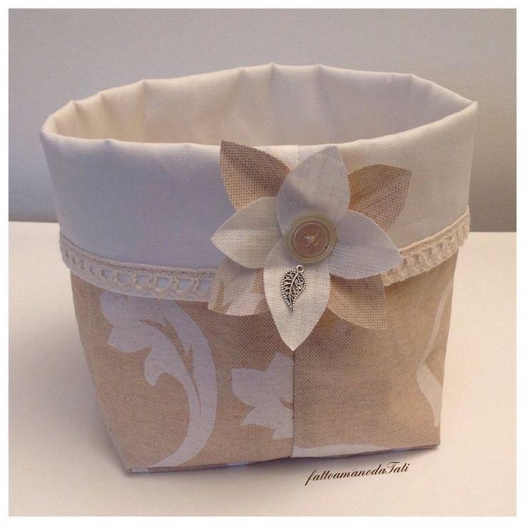 Cestino portatutto in cotone stampato plastificato e fiore, by fattoamanodaTati