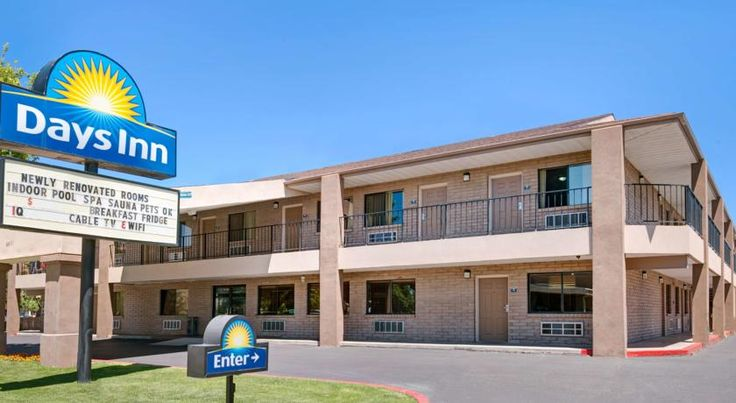 Days Inn Albuquerque West Albuquerque This Albuquerque hotel is just off Interstate 40, three miles from Petroglyph National Monument. The hotel offers an indoor swimming pool, free Wi-Fi and a daily continental breakfast.