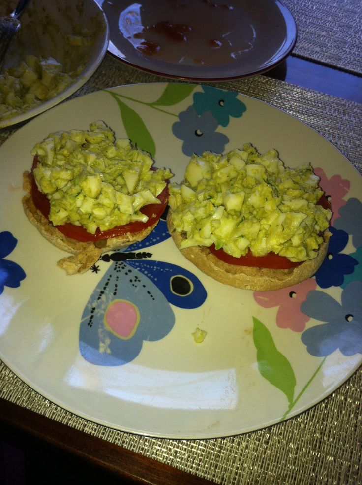Avocado egg salad 1 whole hard boiled egg 2 hard boiled egg whites 1/4 ...