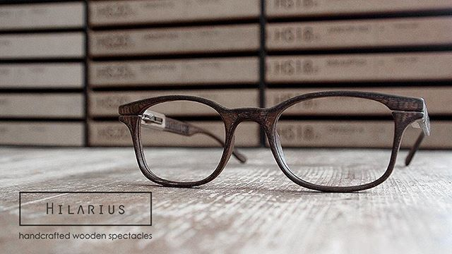 HS16 EDISON latest model in our collection of wooden spectacles. Tineo wood…