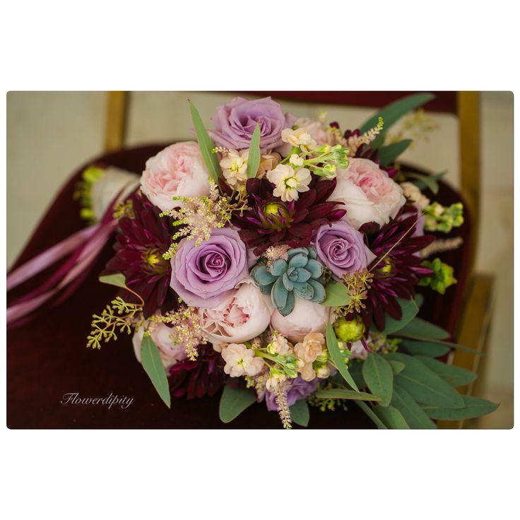 Autumn wedding bouquet #flowerdipity #special #autumn #wedding #bride #bouquet #echeveria #pink #peonies #lila #roses #bordeaux #dahlia #dustypink #elegant #event