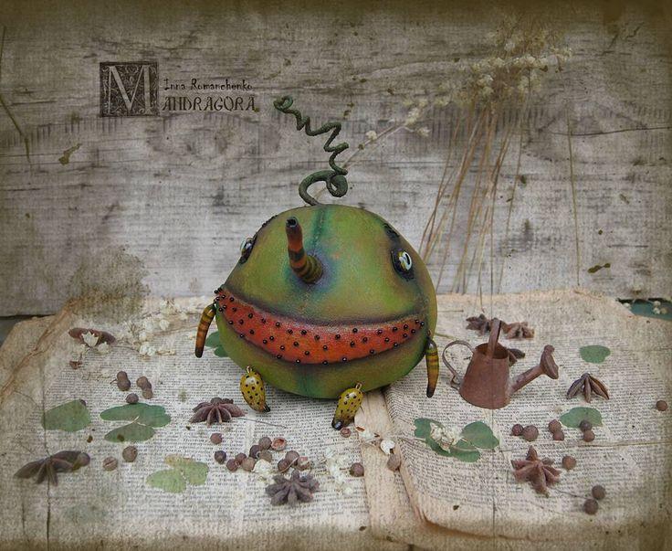 Текстиль, акрил , стеклянные глаза , немного безумия и счастливая арбузная улыбка:)))Ищет дом.  Watermelon. Primed textiles. Looking for a house .  #арбуз #мандрагоринычудовища #существа #ягода #зеленый #грунтованныйтекстиль #ручнаяработа #авторскаяработа #мандрагораарт #моймир #watermelon #handemade #artdoll #mandradora