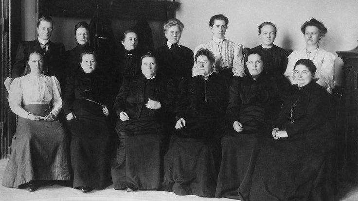naiskansanedustajat.jpg 768×433 pikseliä