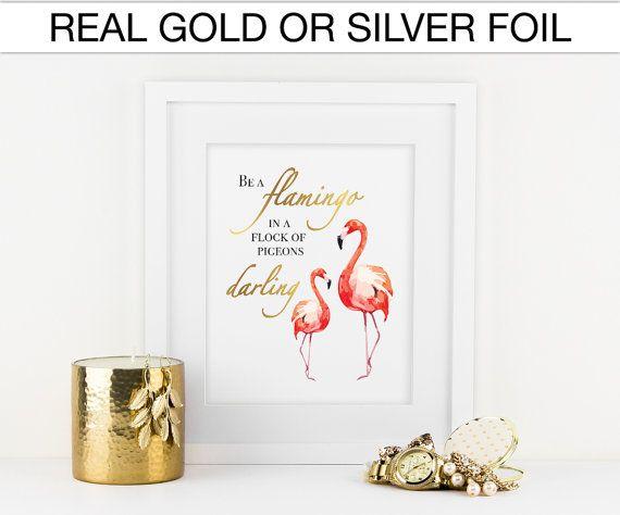 Ein Flamingo in eine Herde von Tauben Liebling sein, echtes Gold zu durchkreuzen, echte Folie drucken, Kinderzimmer, Kinderzimmer, Spielzimmer, Dekor, Galerie Wand