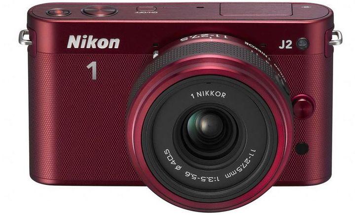 Sa vitesse et son intelligence incroyables, ainsi que ses fonctions de prise de vue révolutionnaires ont fait du premier compact à objectif interchangeable de Nikon le modèle le plus vendu de sa catégorie en France et en Europe. Aujourd'hui le constructeur annonce son tout nouveau nouveau Nikon1J2 présente