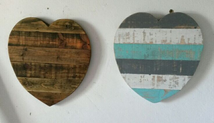 Rustic Pallet Hearts. (Made by: Shane Ikin)