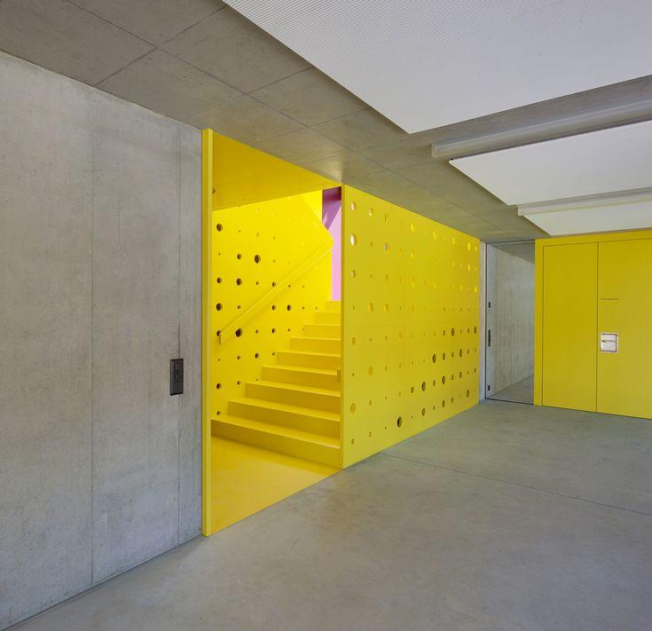 Farbkräftige Vielfalt für Doppelkindergarten in Wiesendangen - DETAIL.de - das Architektur- und Bau-Portal