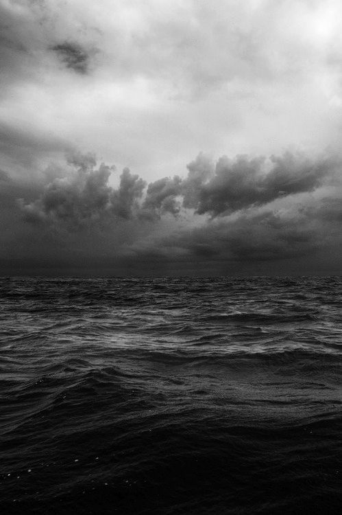 sea.enigmatic.greyscale.infinite