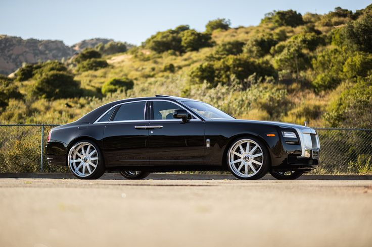 """Rolls Royce Ghost on 24"""" Vellano VSO's with OE cap on Pirelli tires."""