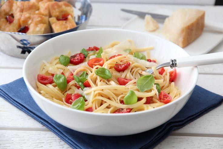 Spagetti med tomater, basilikum og parmesan 20 min