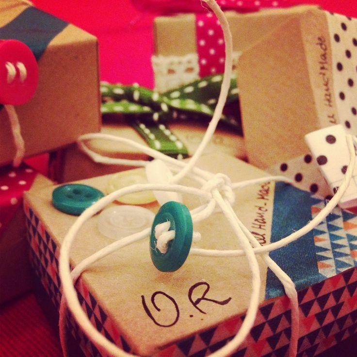 custom gift box / scrapbooking / origami box / kraft paper ideas / buttons decorations / washi tape