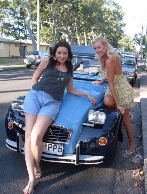 les 2cv et les femmes   2cv  photo  girl  glamour