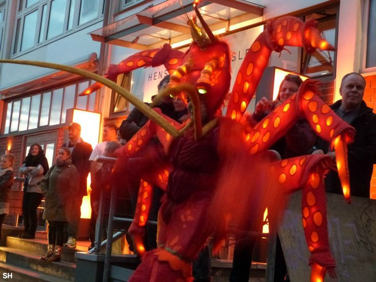 Nasynchroniseren,  bedacht door de duivel zelf, ik zweer het je - Standort Hamburg
