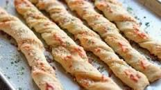 Easy Pizza Hut Breadsticks | Food.com