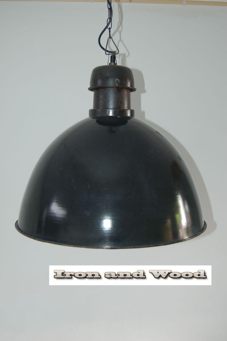 de 93 beste afbeeldingen over industriele lampen industrie lampen fabriekslampen op pinterest. Black Bedroom Furniture Sets. Home Design Ideas