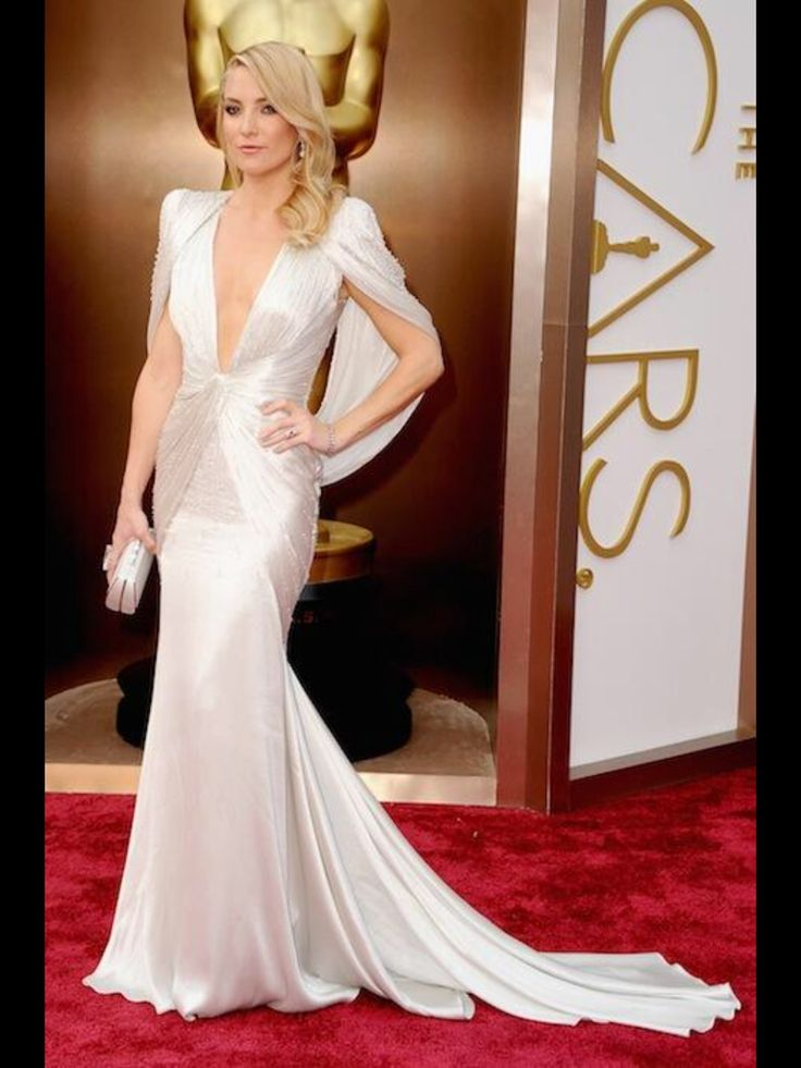 Kate Hudson looking gorgeous in this dress! We LOVE it.