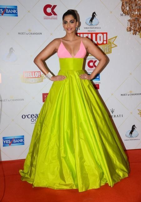 f1a6a4d25cf8a Pin by SeenIt on Sonam Kapoor Fashion