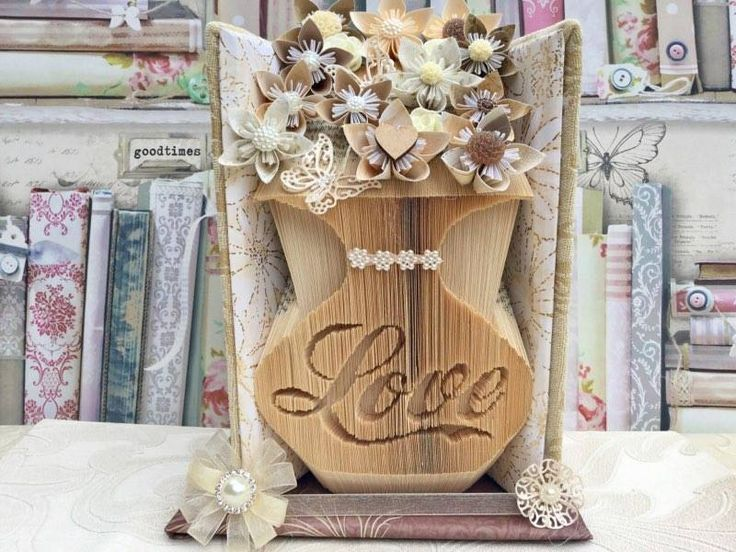 Vase with Love cut and fold combination book von BookFoldingForever
