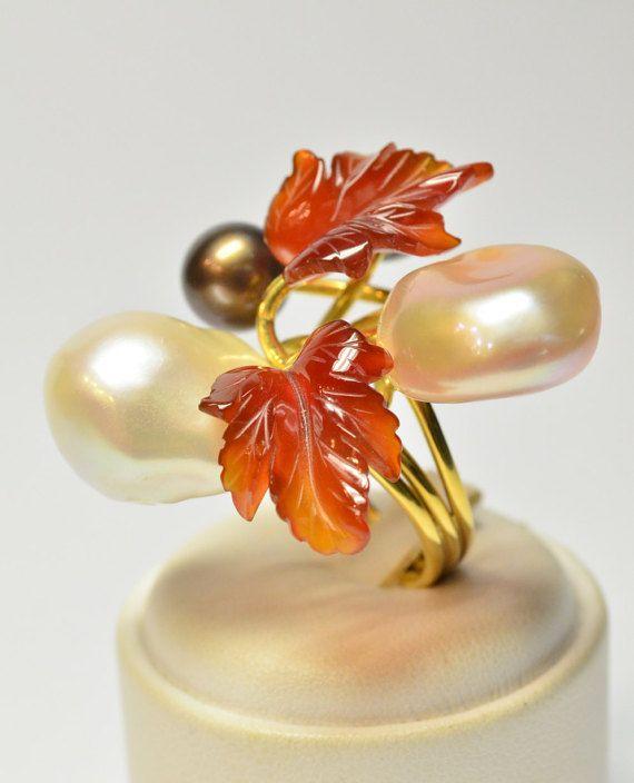 Guarda questo articolo nel mio negozio Etsy https://www.etsy.com/it/listing/273606028/anello-perle-oro-giallo-18-ktanello