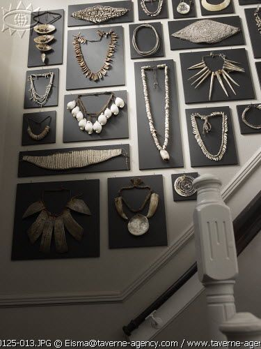 gorgeous jewelry display