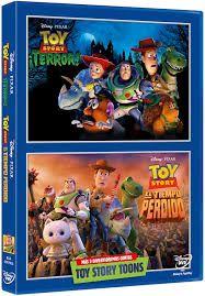 Disney Pixar se enorgullece en presentar una nueva y disparatada historia con todos tus personajes favoritos de las películas de Toy Story. Únete a Woody, Buzz, Jessie y sus compañeros en una aventura aterradoramente divertida. Lo que empieza para la pandilla como un emocionante viaje por carretera, toma un giro inesperado a peor tras un desvío a un motel de carretera