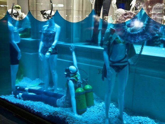 Under water shopwindow