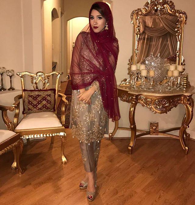 Desi hijabi @monalabelle slaying in our Gold Glam Revised tulip outfit in a mahendi function. #gulwarun #celebritystyle #celebrityfashion #pret #pakistanidesigner #pakistanibrand