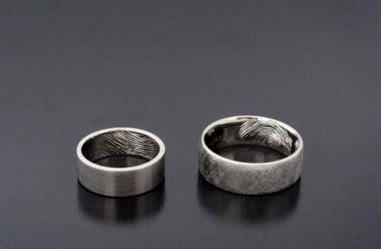 http://ringsbybielak.com/realization,touch  #wedding #ring #unique
