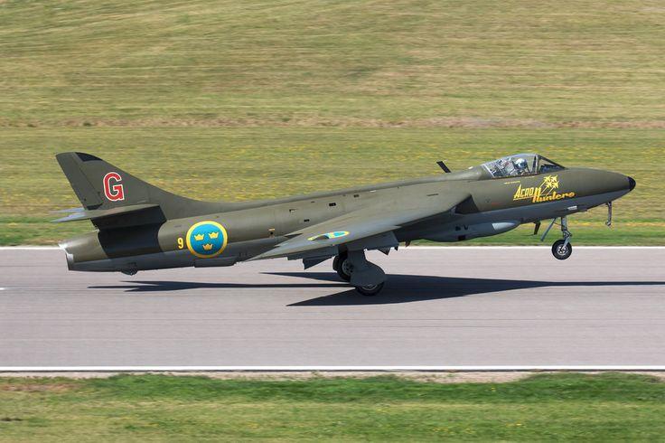 SE-DXM_HawkerHunter_SwedishHistoricFlight_Malmen_Img02