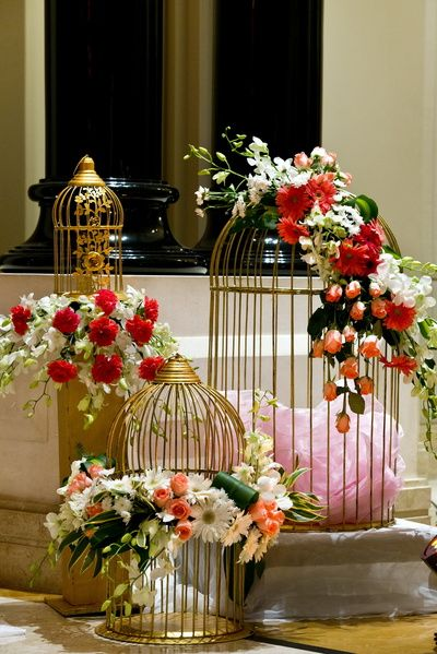 gold cages, bird cages decor, floral decor