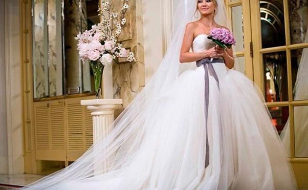 Самые красивые свадебные платья знаменитостей - http://1svadebnoeplate.ru/samye-krasivye-svadebnye-platja-znamenitostej-3826/ #свадьба #платье #свадебноеплатье #торжество #невеста