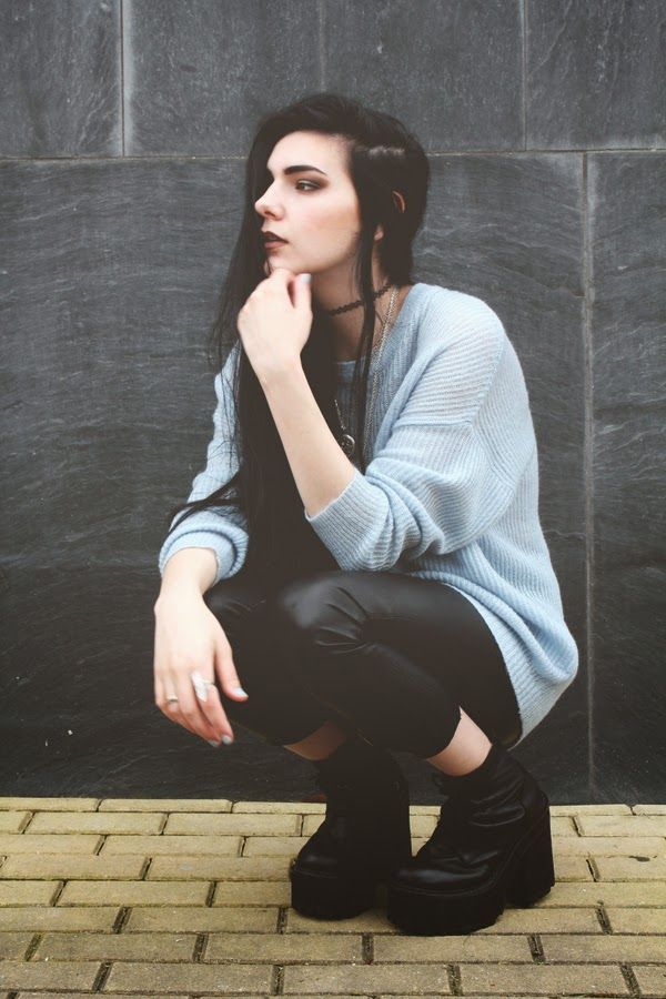 Pastel blue obsession: Pendent necklaces and Oversized jumper - By Holynights C. - http://ninjacosmico.com/20-grunge-outfit-ideas-may/