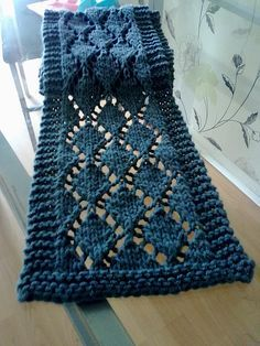 Beautiful - wish I could knit - Diamond Scarf by Caroline Mullen - free download