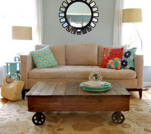 Here is a classy coffee table that has been created from a few wooden pallets