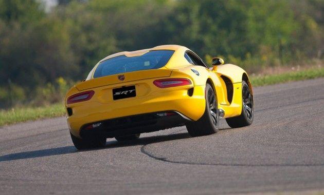 Время Dodge Viper проходит: уже в текущем году американский бренд отправит этот, без всякого сомнения, интересный автомобиль в историю. Разговоры о том, что американцы хотят прекратить производство пятой генерации этого автомобиля ходят с 2015 года, но сегодня эта информация подтвердилась. Читать далее: http://kareliyanews.ru/dodge-v-tekushhem-godu-poproshhaetsya-so-svoim-legendarnym-superkarom-viper/