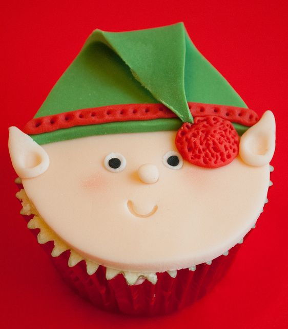 Custom Cake Classes - Christmas Cupcake Faces | Flickr - Photo Sharing!