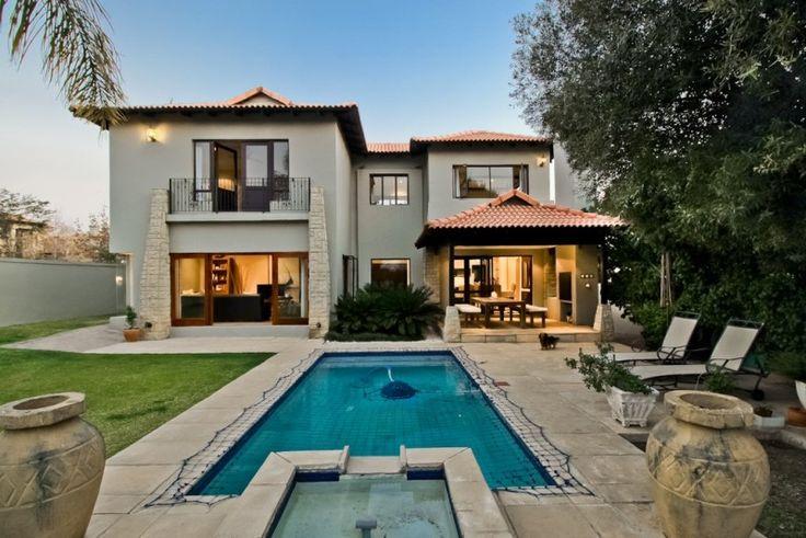 Featured Property in <b>Dainfern, Sandton</b> <b>(R 3,900,000)</b>