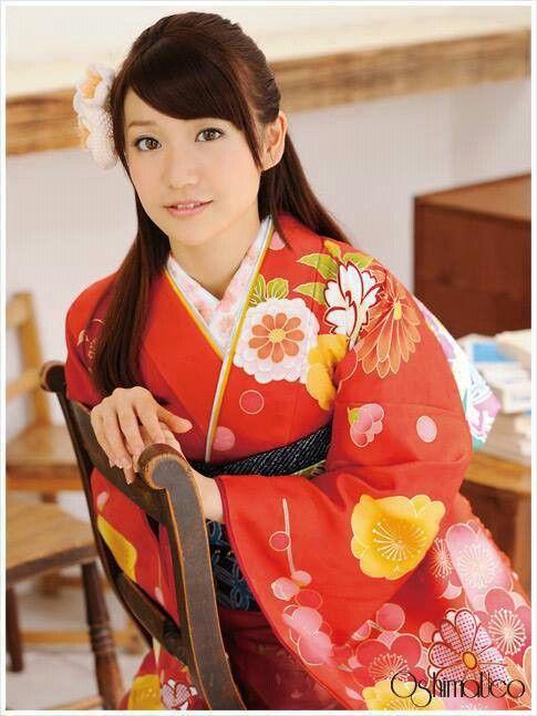 AKB48 member and kimono designer Yuko Oshima. OshimaUCo.