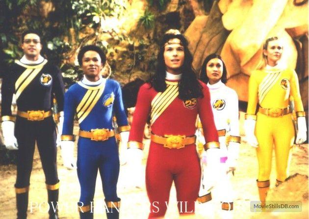 Power Rangers Wild Force - Publicity still of Jack Guzman, Phillip Jeanmarie, Alyson Sullivan, Jessica Rey & Ricardo Medina Jr.