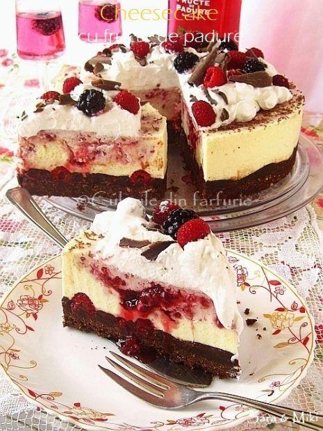 Cheesecake cu fructe de padure