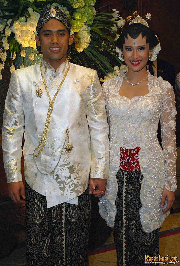 java's Kebaya Wedding...  Love it.. :*