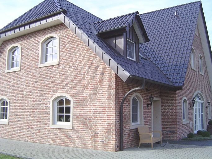 41 best images about Gevelstenen on Pinterest | Roof tiles ...