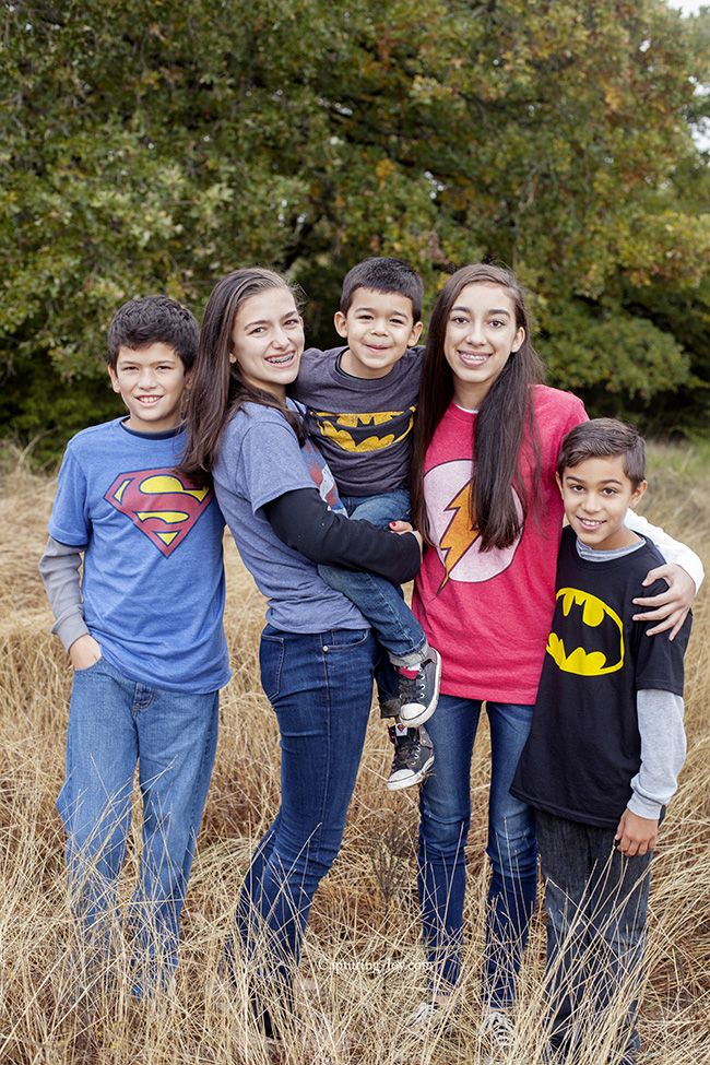 Extended Family Pictures In Superhero Shirts