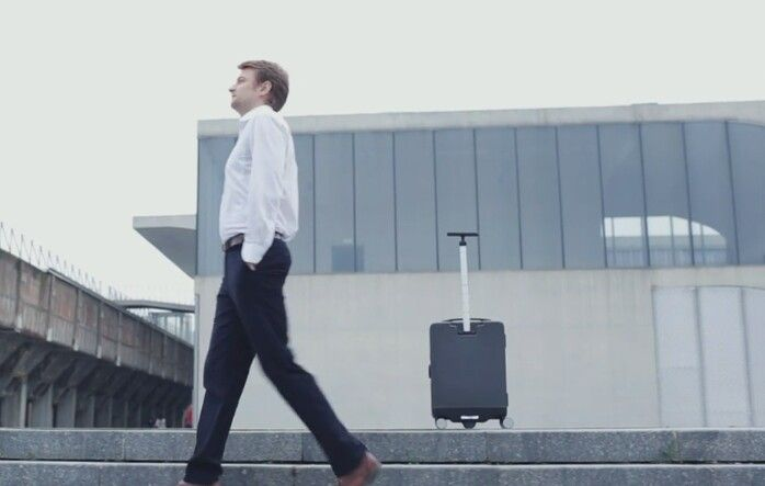 Cowarobot the luggage that follows you around http://go.shr.lc/2btsuhT #cowarobot #luggage #cases #follow #smartlock