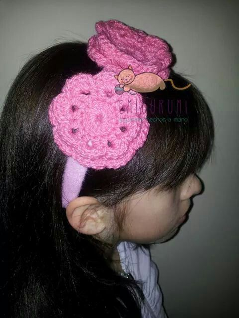 #cintillo de #flores a #crochet Vendido (Se hacen a pedido) Consultas a contacto@emigurumi.cl #hechoamano #chile