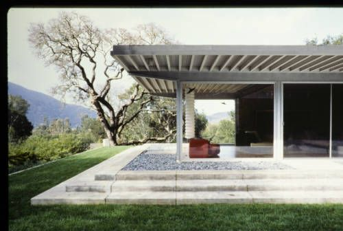 Riebe residence, living room, Carmel Valley, Calif., after 1990?. http://digitallibrary.usc.edu/cdm/ref/collection/p15799coll42/id/203