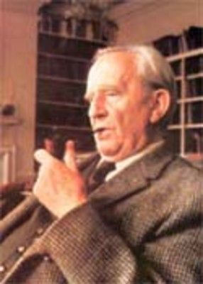 J R R Tolkien singing the Blunt the Knives song from The Hobbit. Wonderful to hear the original tune straight from the authors lips!