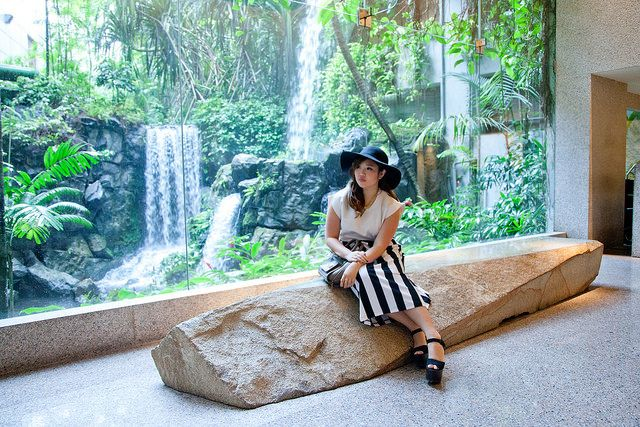 "Take a peek inside Jemma Wei's recent staycation at Grand Hyatt Singapore and see why the blogger raves about the ""gorgeous and grand"" hotel."